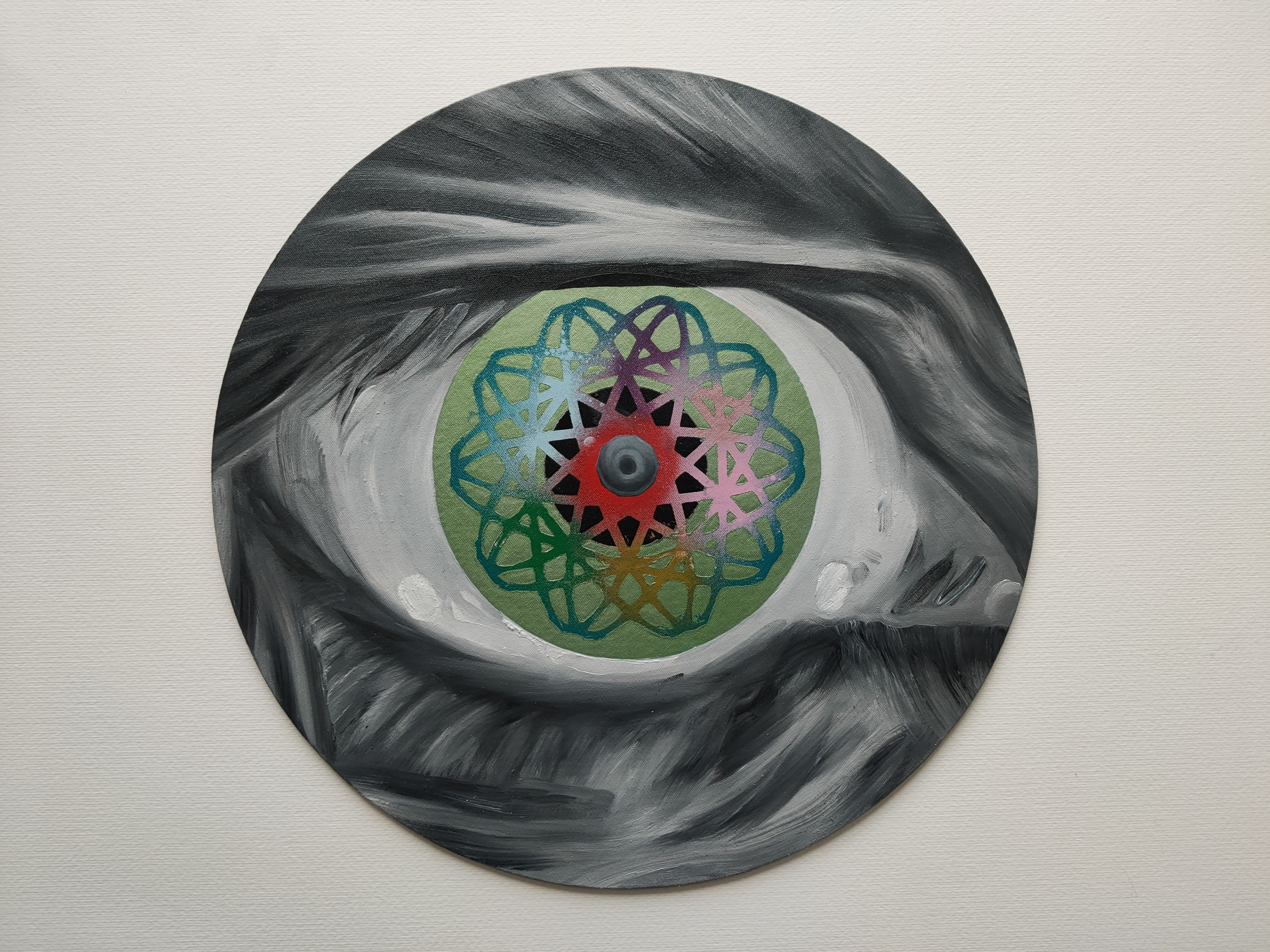Iris of Why,Marc Molk, 2020, oil and acrylic on canvas board, diameter 15,7 in