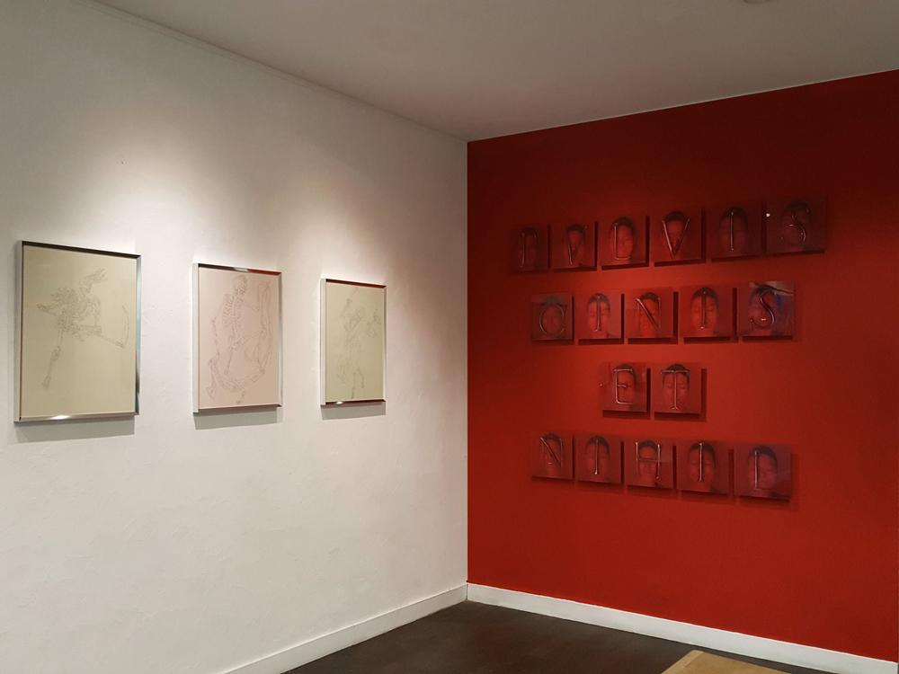 L'instance de la lettre / Exposition collective / MARC MOLK (à gauche), CHÉRI SAMBA, KIMIKO YOSHIDA (à droite)