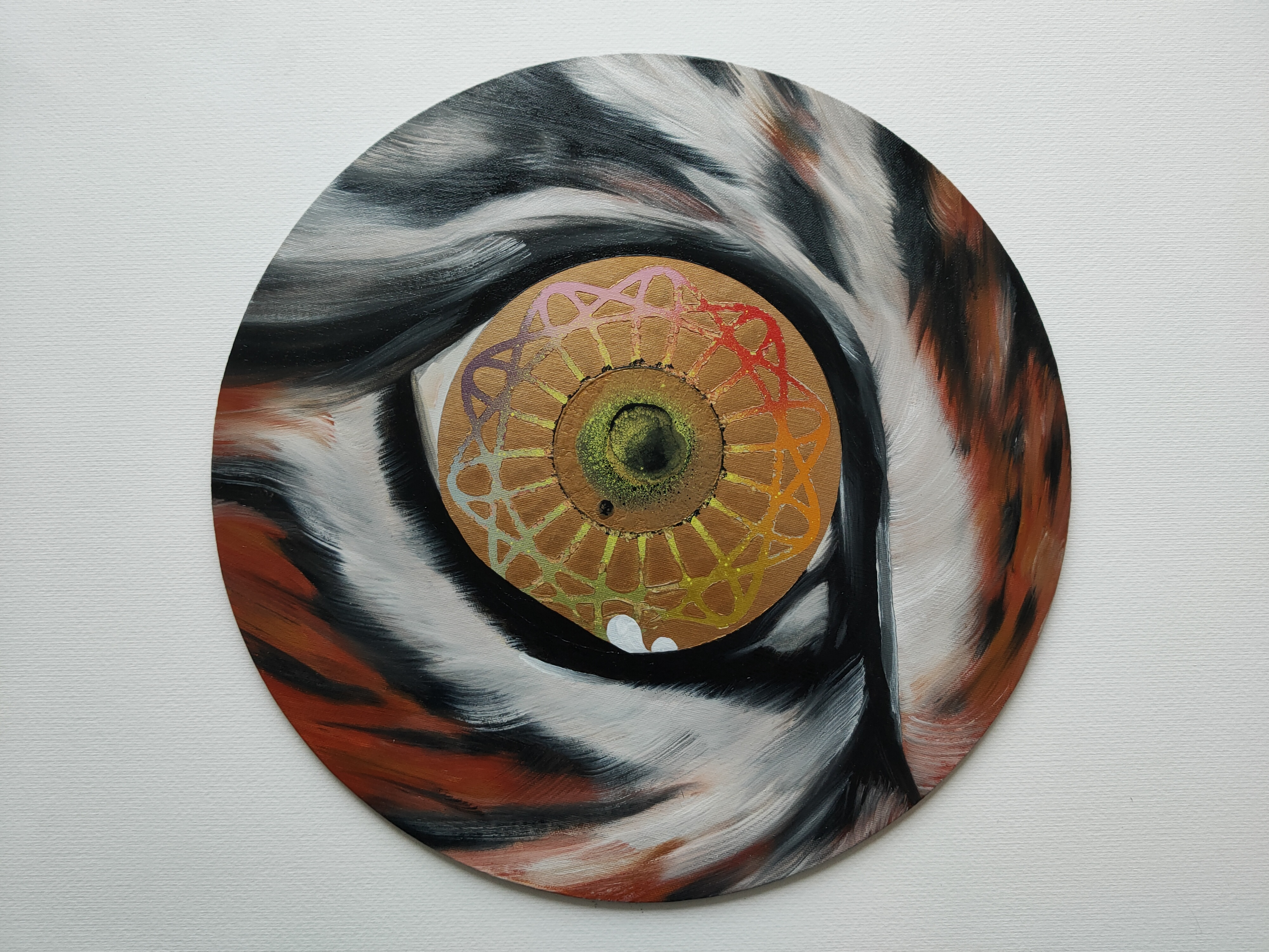 Iris of How, Marc Molk, 2020, oil and acrylic on canvas board, diameter 15,7 in